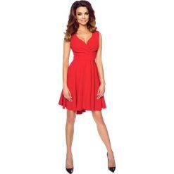 Czerwona Zmysłowa Sukienka z Kopertowym Dekoltem na Szerokich Ramiączkach. Brązowe sukienki asymetryczne marki Mohito, l, z kopertowym dekoltem. Za 188,90 zł.