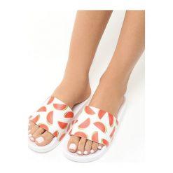 Białe Klapki Watermelon. Białe klapki damskie Born2be, w kolorowe wzory, na platformie. Za 49,99 zł.
