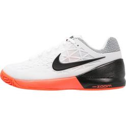 Buty trekkingowe damskie: Nike Performance ZOOM CAGE 2  Obuwie do tenisa Outdoor white/black/hyper orange