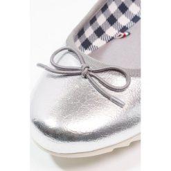 Baleriny damskie lakierowane: Tommy Jeans SPORTY METALLIC Baleriny silver