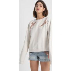 Bluzy rozpinane damskie: AllSaints BIRDS Bluza vintage white