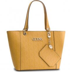 Torebka GUESS - HWSH66 91230 MGD. Żółte torebki klasyczne damskie Guess, z aplikacjami, ze skóry ekologicznej. Za 629,00 zł.