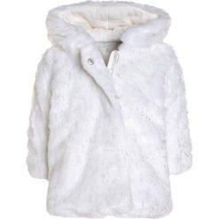 Absorba CÉRÉMONIE Płaszcz zimowy ecru. Białe kurtki chłopięce Absorba, na zimę, z materiału. W wyprzedaży za 153,45 zł.