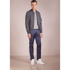 Blauer GIUBBINI CORTI  Kurtka wiosenna grigio scuro. Białe kurtki męskie marki Blauer. W wyprzedaży za 475,60 zł.