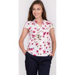 Bluzki damskie: Bluzka w kwiaty z dekoltem w serek QUIOSQUE
