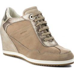 Sneakersy GEOX - D Illusion B D8254B 0LT22 C5004 Sand. Brązowe sneakersy damskie Geox, z nubiku. W wyprzedaży za 399,00 zł.