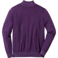 Sweter ze stójką Regular Fit bonprix jagodowy. Fioletowe golfy męskie marki bonprix, m, z dzianiny. Za 44,99 zł.