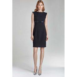 Czarna Sukienka Koktajlowa z Kokardką. Czarne sukienki balowe marki Molly.pl, do pracy, l, w paski, z dekoltem w łódkę, z krótkim rękawem, mini, oversize. Za 149,90 zł.