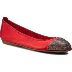 Baleriny CARINII - B2714 Lucerna 3/Savage 1925. Czerwone baleriny damskie marki Carinii, z materiału. W wyprzedaży za 169,00 zł.