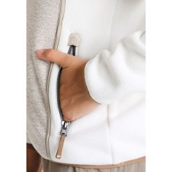 Icepeak TAIPA Kurtka z polaru natural white. Białe kurtki damskie Icepeak, z materiału. W wyprzedaży za 186,75 zł.