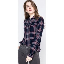 Wrangler - Koszula. Szare koszule damskie marki Wrangler, na co dzień, m, z nadrukiem, casualowe, z okrągłym kołnierzem, mini, proste. W wyprzedaży za 129,90 zł.