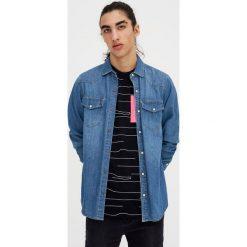 T-shirty męskie: Koszulka z jaskrawą kieszonką
