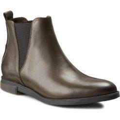 Sztyblety CARINII - B3675 I45-000-PSK-B50. Czarne buty zimowe damskie marki Carinii, z materiału, z okrągłym noskiem, na obcasie. W wyprzedaży za 229,00 zł.