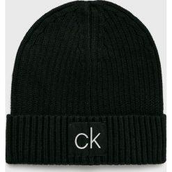 Calvin Klein - Czapka. Czarne czapki zimowe męskie marki Calvin Klein, na zimę, z bawełny. Za 159,90 zł.