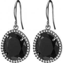 Kolczyki z kamieniami naturalnymi. Czarne kolczyki damskie Stylowa biżuteria, z mosiądzu, z zapięciem typu bigiel. W wyprzedaży za 65,95 zł.