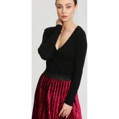 Czarny Sweter Out In Front. Czarne swetry klasyczne damskie other, na jesień, l. Za 39,99 zł.