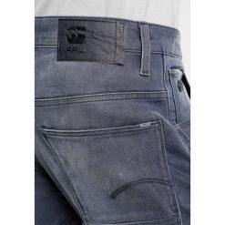 GStar ARC 3D SLIM Jeansy Slim Fit medium aged. Szare jeansy męskie relaxed fit G-Star, z bawełny. W wyprzedaży za 426,30 zł.