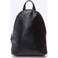 Calvin Klein - Plecak. Czarne plecaki damskie marki Calvin Klein, z poliesteru. Za 499,90 zł.