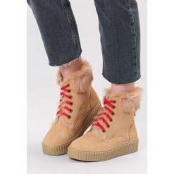 Ciemnobeżowe Śniegowce Rising Sun. Brązowe buty zimowe damskie marki vices, z materiału, z okrągłym noskiem, na obcasie. Za 109,99 zł.