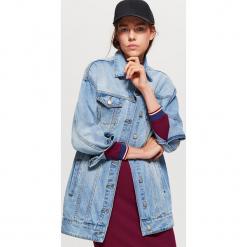 Długa kurtka jeansowa - Niebieski. Niebieskie kurtki damskie jeansowe Cropp, m. Za 149,99 zł.