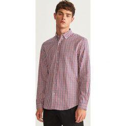 Koszula w kratkę regular fit - Czerwony. Czerwone koszule męskie w kratę marki Cropp, l. Za 99,99 zł.