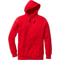 Bluza z kapturem Regular Fit bonprix czerwony. Czerwone bejsbolówki męskie bonprix, m, z kapturem. Za 37,99 zł.