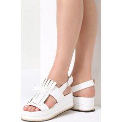 Białe Sandały Outrageous. Białe sandały damskie vices, na koturnie. Za 69,99 zł.