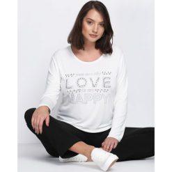 Biała Bluzka Feel Love. Białe bluzki longsleeves Born2be, xl, z aplikacjami, z okrągłym kołnierzem. Za 34,99 zł.