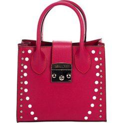 Torebki klasyczne damskie: Skórzana torebka w kolorze fuksji – (S)23 x (W)30 x (G)11 cm