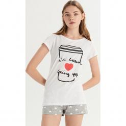Piżama z motywem kawy - Biały. Białe piżamy damskie Sinsay, l. Za 39,99 zł.