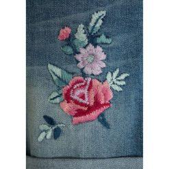 Abercrombie & Fitch MIDI INSERT Szorty jeansowe blue denim. Niebieskie szorty jeansowe damskie Abercrombie & Fitch. Za 149,00 zł.