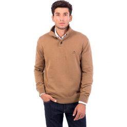 Golfy męskie: Sweter w kolorze jasnobrązowym