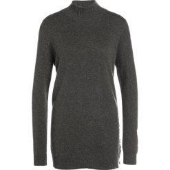 Swetry klasyczne damskie: Repeat Sweter forest