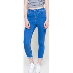 Vero Moda - Jeansy. Niebieskie rurki damskie marki Vero Moda, z bawełny, z podwyższonym stanem. W wyprzedaży za 79,90 zł.