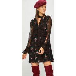 Pinko - Sukienka. Brązowe długie sukienki Pinko, na co dzień, s, z materiału, casualowe, z długim rękawem, proste. Za 1399,00 zł.