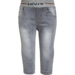 Levi's® BABY PANT Jeansy Slim Fit gris moyen. Szare jeansy chłopięce marki Levi's®. Za 169,00 zł.