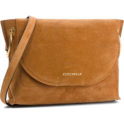 Torebka COCCINELLE - CC1 Essentielle Suede E1 CC1 15 02 01 Cuir W12. Brązowe listonoszki damskie Coccinelle, ze skóry. W wyprzedaży za 799,00 zł.