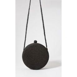 Kuferki damskie: Okrągły kuferek z rafii redesign - Czarny