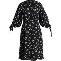 Sukienki hiszpanki: Gina Tricot VENDELA WRAP DRESS Sukienka letnia black