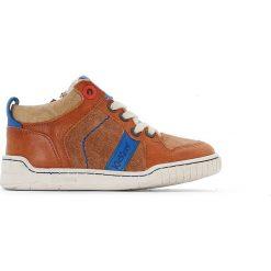 Skórzane trampki wysokie Winforce. Niebieskie buty sportowe chłopięce marki Kickers, z kauczuku, na sznurówki. Za 320,46 zł.