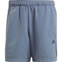 Adidas Spodenki męskie ESS Chelsea niebieskie r. S (CE1931). Niebieskie spodenki sportowe męskie marki ARTENGO, l, z elastanu. Za 73,33 zł.