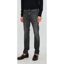 Mustang - Jeansy Vegas. Szare jeansy męskie slim Mustang. W wyprzedaży za 239,90 zł.