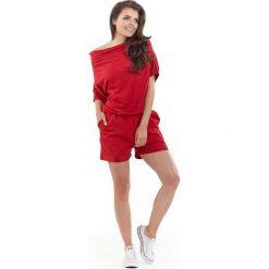 Czerwony Krótki Kombinezon z Szerokim Dekoltem. Czerwone kombinezony damskie na lato marki KALENJI, z elastanu, z krótkim rękawem, krótkie. Za 119,90 zł.