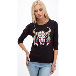 Bluzki damskie: Czarna bluzka z haftowaną aplikacją - głowa byka 3348