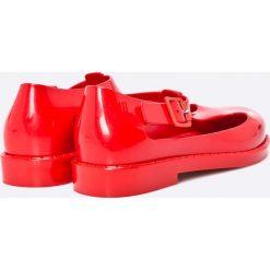 Melissa - Baleriny dziecięce Kazakova Inf. Czerwone meliski damskie marki Melissa, z kauczuku. W wyprzedaży za 179,90 zł.