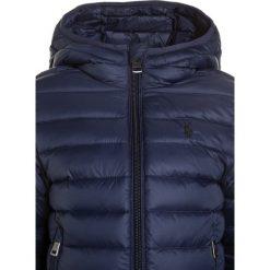 Polo Ralph Lauren PACKABLE OUTERWEAR Kurtka puchowa french navy. Niebieskie kurtki chłopięce przeciwdeszczowe Polo Ralph Lauren, na zimę, z materiału. W wyprzedaży za 503,20 zł.