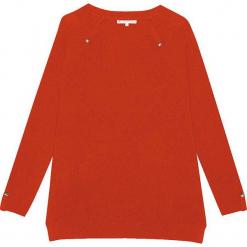 Sweter kaszmirowy w kolorze musztardowym. Żółte swetry klasyczne damskie marki Ateliers de la Maille, z kaszmiru, z okrągłym kołnierzem. W wyprzedaży za 432,95 zł.