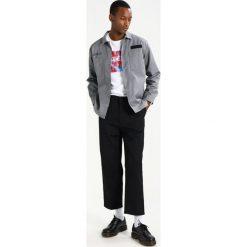 Chinosy męskie: Edwin ZOOT Spodnie materiałowe black