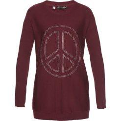 Swetry klasyczne damskie: Długi sweter z aplikacją w kształcie pacyfki ze sztrasów bonprix czerwony klonowy