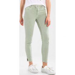 Mavi ADRIANA ANKLE Jeans Skinny Fit soft mint washed. Zielone boyfriendy damskie Mavi. Za 299,00 zł.